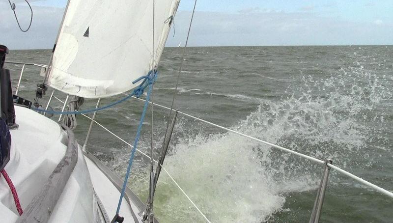 http://www.009dutch.nl/oddphotos/ships/vlcsnap-2016-08-10-b.jpg
